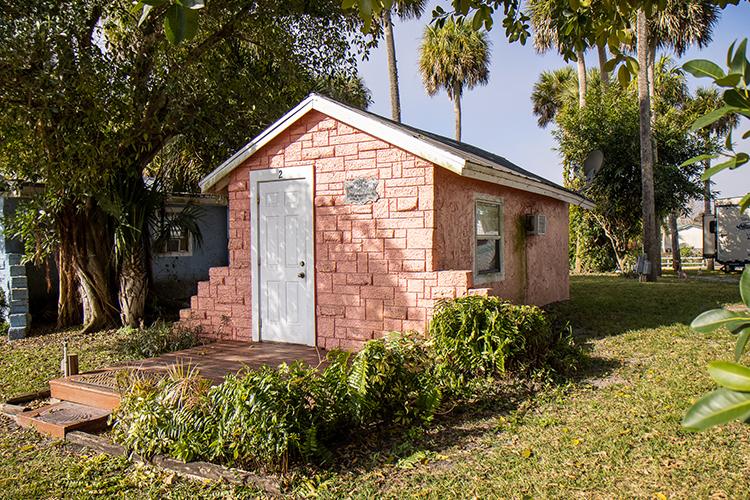 Cabin 2  (No Kitchen)