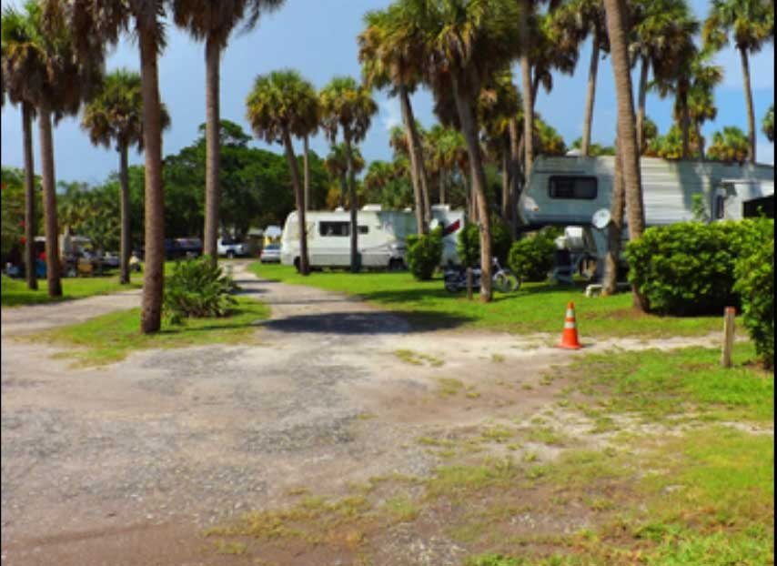RV lot – Up to 44 Ft